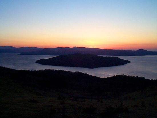 夜明け前の屈斜路湖(美幌峠)平成