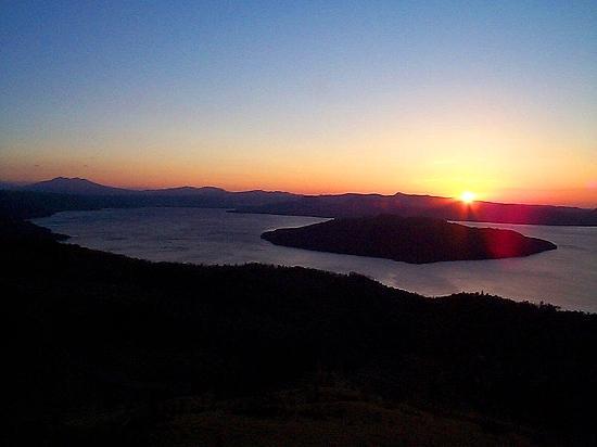 夜明けの屈斜路湖(美幌峠)令和