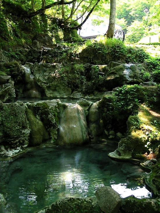 世界自然遺産知床 山奥の一軒宿 岩尾別温泉「ホテル地の涯」